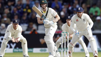 Australia lead by 382 runs.