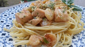 Tagliatelle with salmon and shrimp