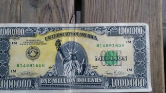 can cryptocurrency dethrone the dollar?