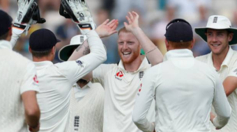 England lead by 382 runs.
