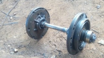 "DIY Dumbbell using ""condemned"" metals and determination."