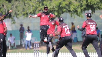 Singapore beat Scotland 2 runs in the ICC World Cup Twenty20 qualifier.