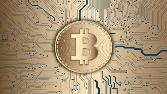Bitcoin breaks the 8,000 dollar wall, bullish scenario and skyrocketing social sentiment