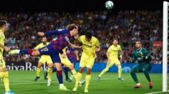 Villarreal defeated Barcelona 2-1.