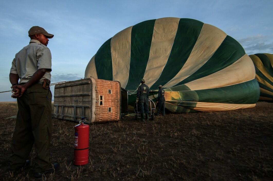 A guard watching Safari Balon ride being prepared