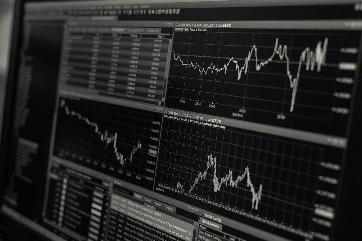 https://pixabay.com/photos/stock-trading-monitor-business-1863880
