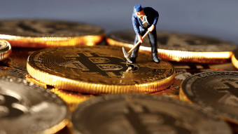 Why Bitcoin Can't Survive Below $ 50K While Dollar Hits 4-Month High?