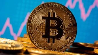 Crypto Market Pull Back..... Due to Trump Stock Mania?!