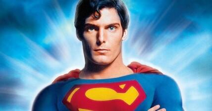 Superman Youtuber/Blogger
