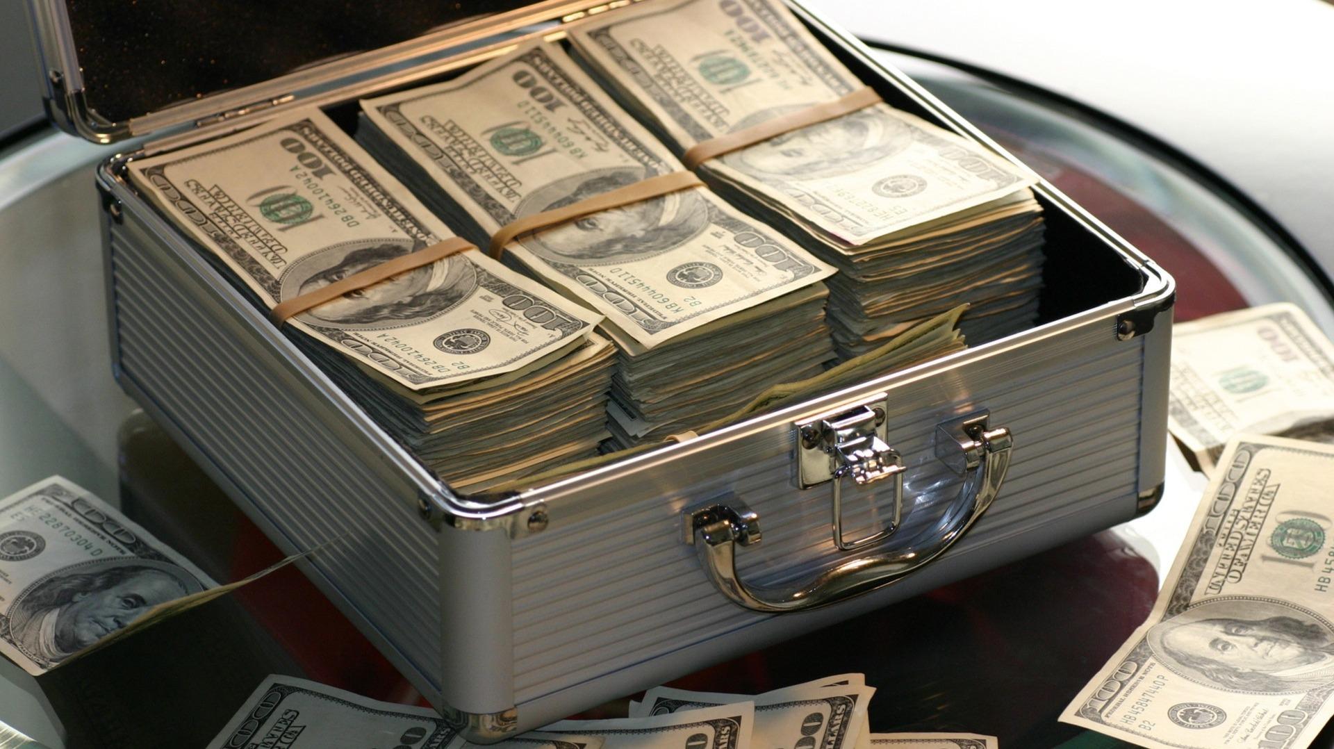 https://www.pexels.com/photo/abundance-bank-banking-banknotes-259027/