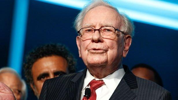 Warren Buffett wages war on Bitcoin