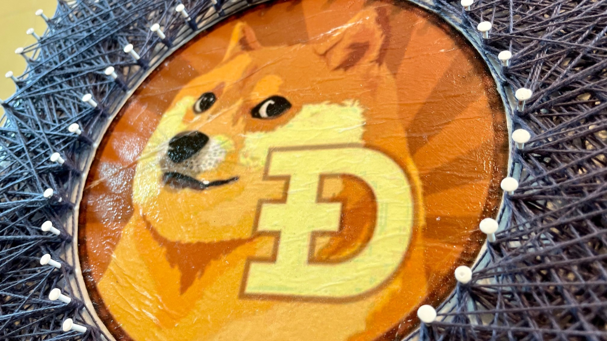 DOGECOIN... Decoupage Nails and Twine !!(ENG/ITA)DOGECOIN ... Decoupagege Chioedi e Spago (Logo #3)