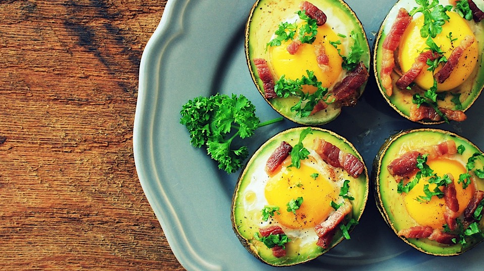 Keto Avocado and Egg With Bacon